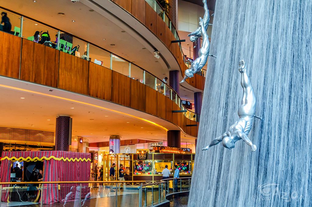 Słynny wodospad w Dubai Mall