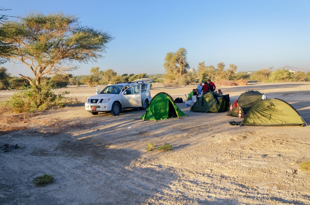 Obóz nieopodal Bilad Manah