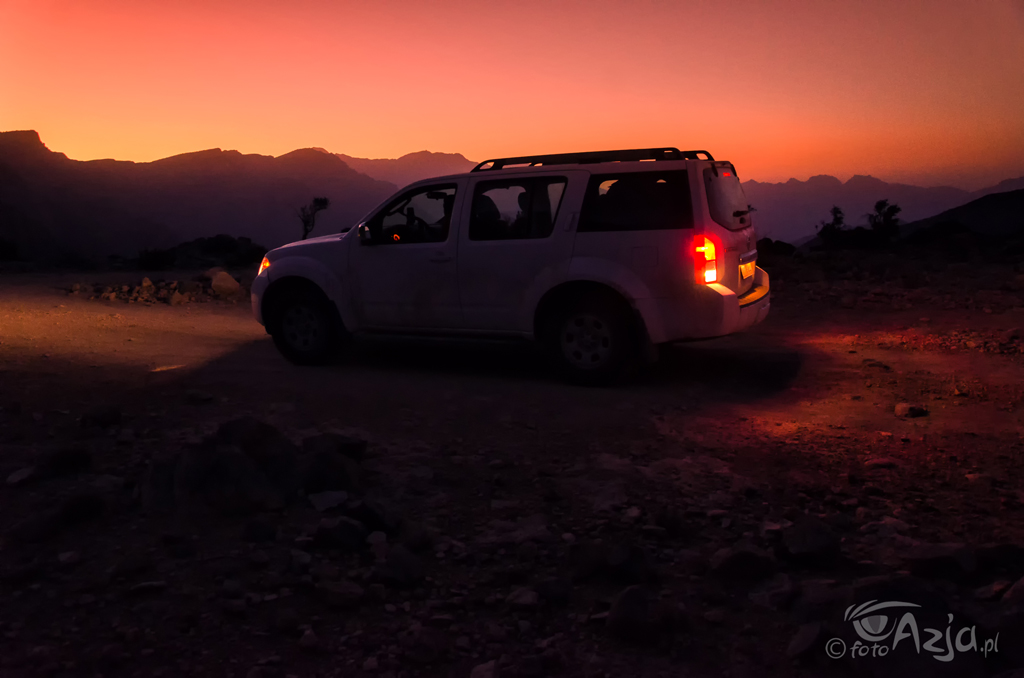 Zachód słońca w górach Al Hajar