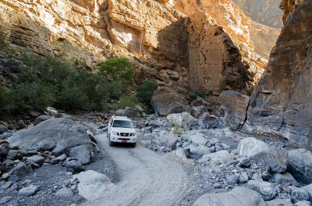 Droga na dno Wielkiego Kanionu Arabii